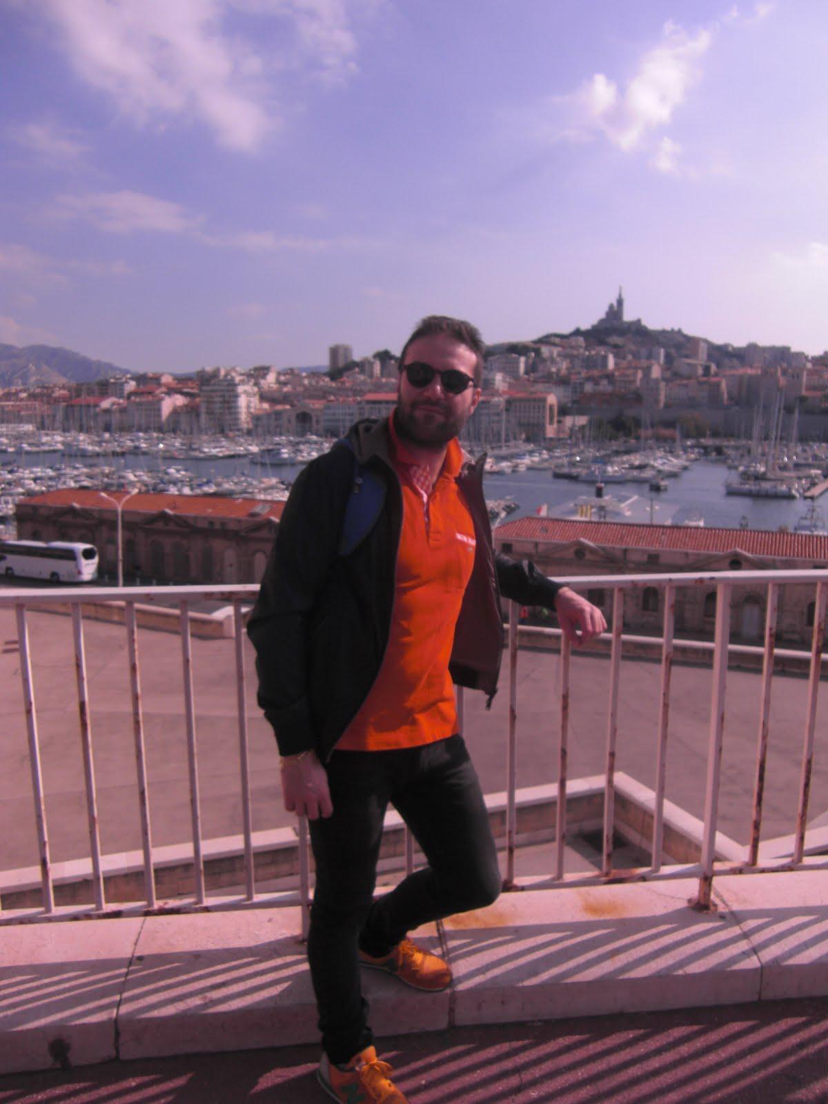 In un punto panoramico di Marsiglia (2016)