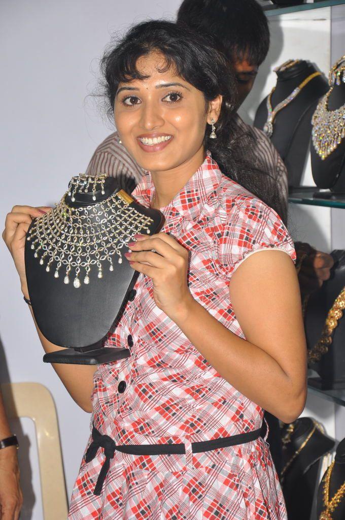 http://1.bp.blogspot.com/-bZ6tMpFbwvI/ThAKxZdzDxI/AAAAAAAAbtI/Z5rLBX13rJU/s1600/actress+bhanu+mehra+photo+gallery+4.jpg