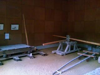 石の百年館(旧館) 展示・トロッコ