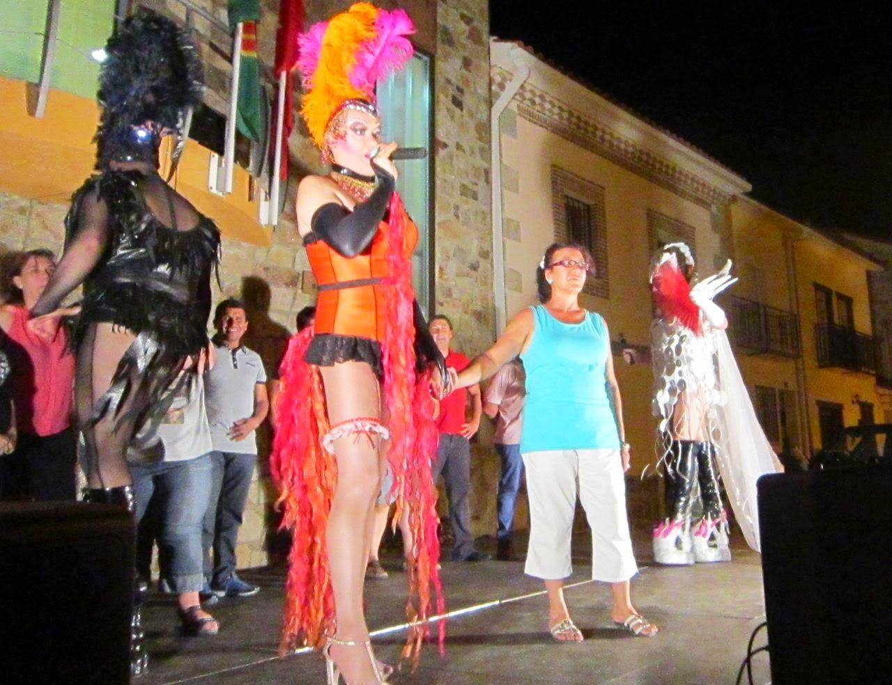 Espectáculo drag queen para fiestas de pueblos en Madrid