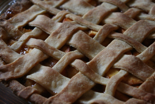 Miss Make: Bourbon & Brown Sugar Peach Pie with Cornmeal Crust