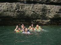 berenang di green canyon