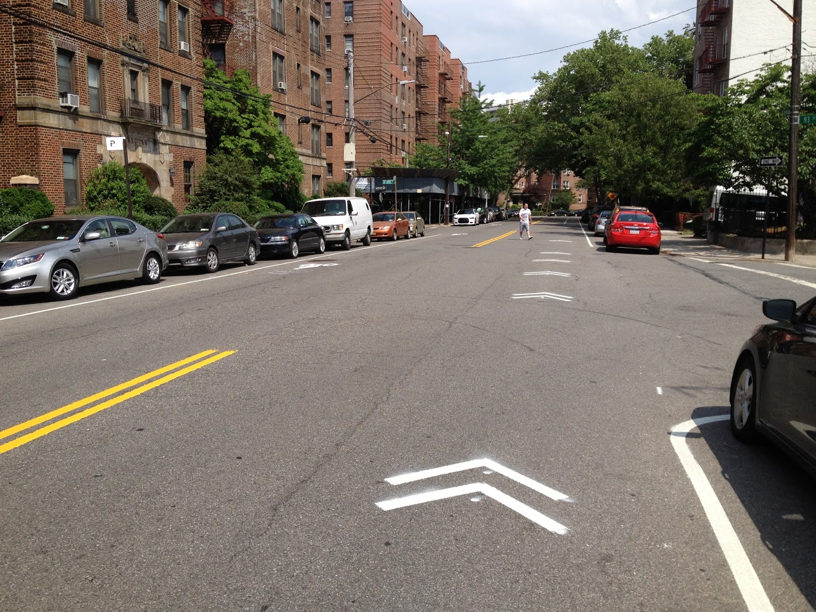 marine avenue at 93rd street and oliver street leading to the colonial ave bicycle lane