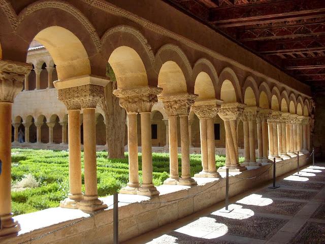 Monacato monasterio
