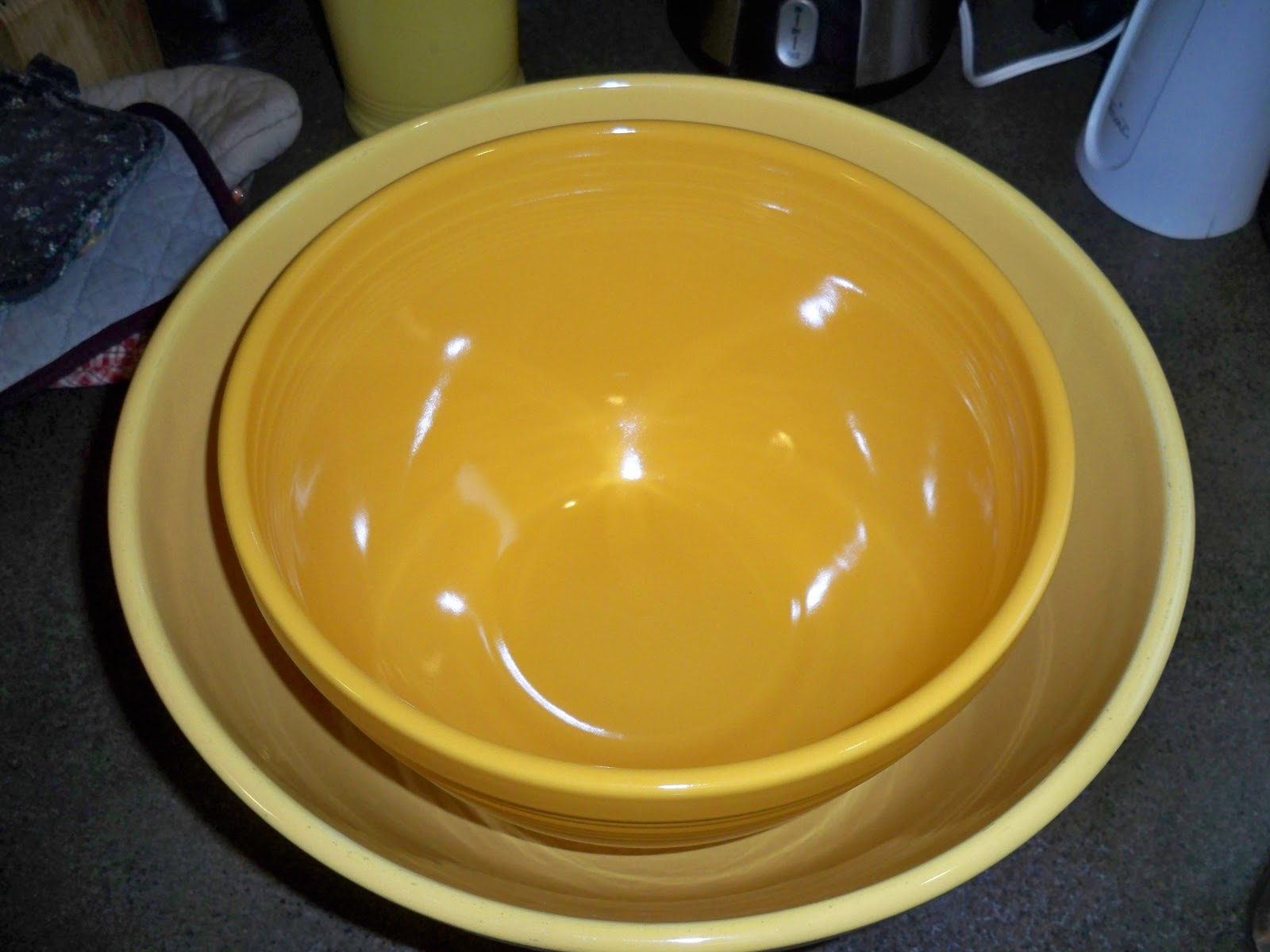 One Dish Dude: Fiesta vs. Bauer: A Comparison