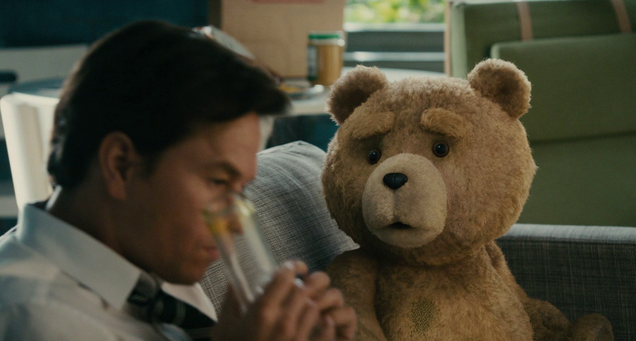 Ted.2012.720p.BDRip_.SPA_.ENG_.XviD_.AC3-Cap-4.png