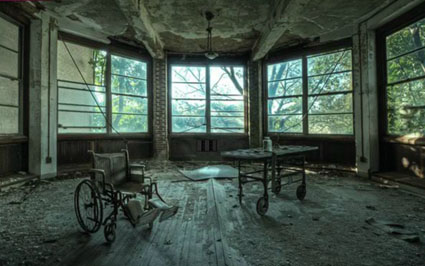Abandoned Psiquiatric Hospital Escape