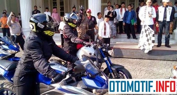 WOW !!! 7 Srikandi Touring Ke Lombok dengan Motor Sport Yamaha