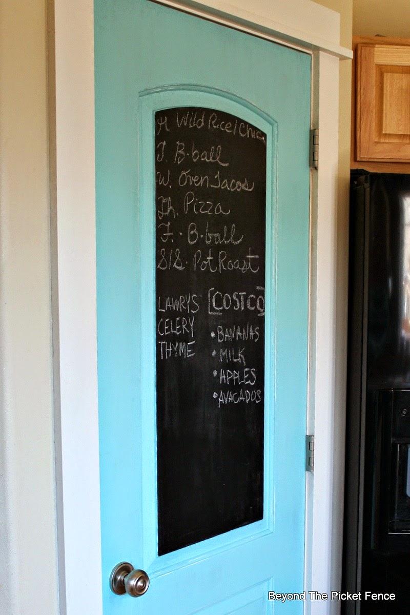 Kitchen Pantry Door, Chalkboard Paint http://bec4-beyondthepicketfence.blogspot.com/2015/01/pantry-door-checkin-it-off-list.html