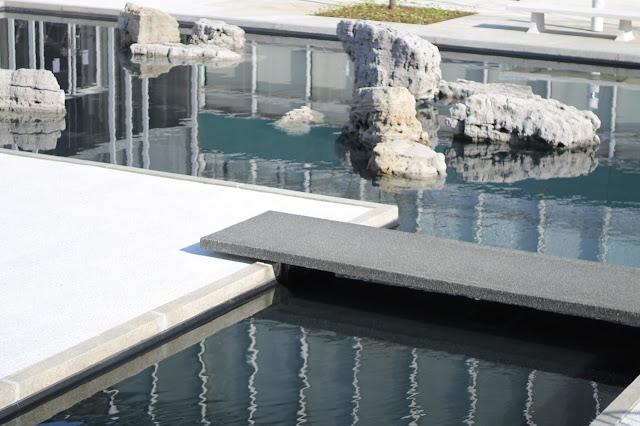 Minoru yamasaki 39 s reflecting pool and sculpture gardens re for Garden reflecting pool