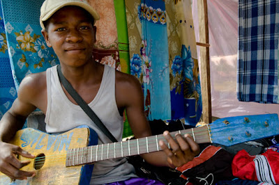 Madagascar - Guitar player with homemade guitar