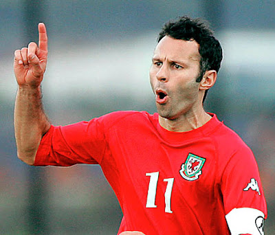 Ryan Giggs - Wales National Team (2)