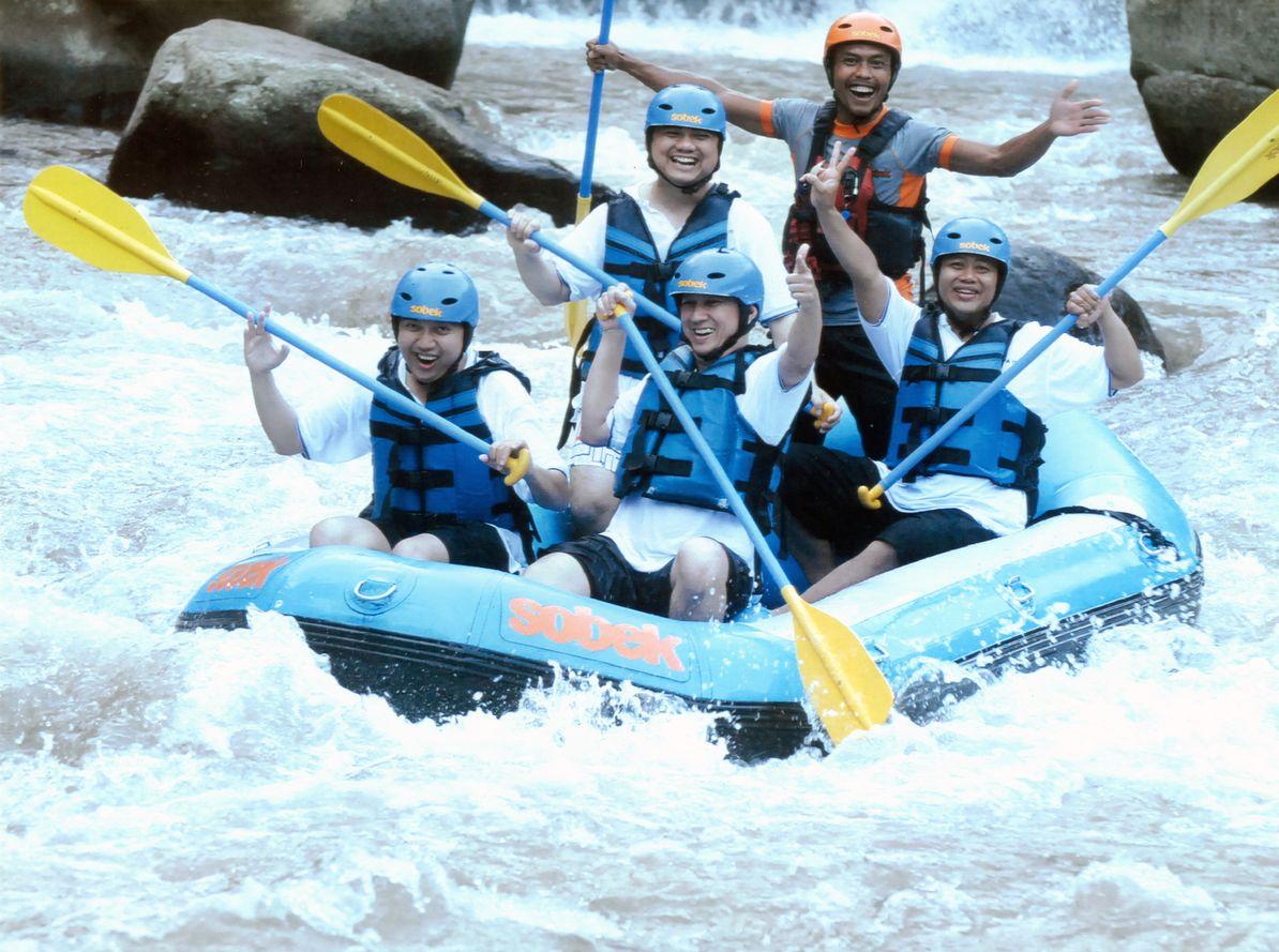 Deni Kuta Kartika Plaza Ubud Gwk Uluwatu Tanah Lot 2012 Tiket Rafting Di Sungai Ayung Bali Hari Ke 2 Bersama Sobek Awalnya Sempat Ragu Mau Ikutan Karena Blm Pernah Sama Sekali Yg Namanya Arung