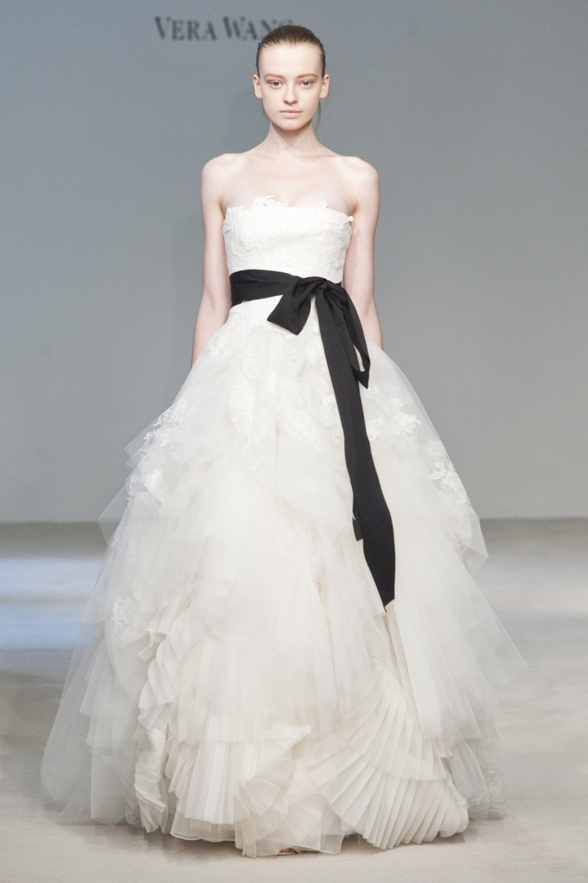 Dream wedding place black and white wedding dress for White vera wang wedding dresses