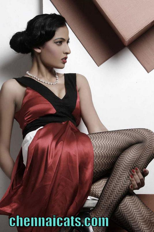 Sexy Indian Hot: Jasleen Cute Actress Images