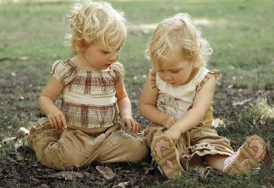 gambar-anak-kembar-cantik