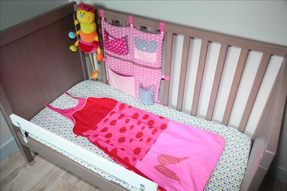 descend de lit good tapis de laine sur mesure laine et tapis tapis with descend de lit amazing. Black Bedroom Furniture Sets. Home Design Ideas