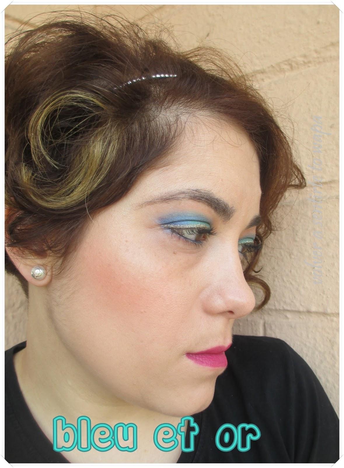 Maquillaje en azul y dorado