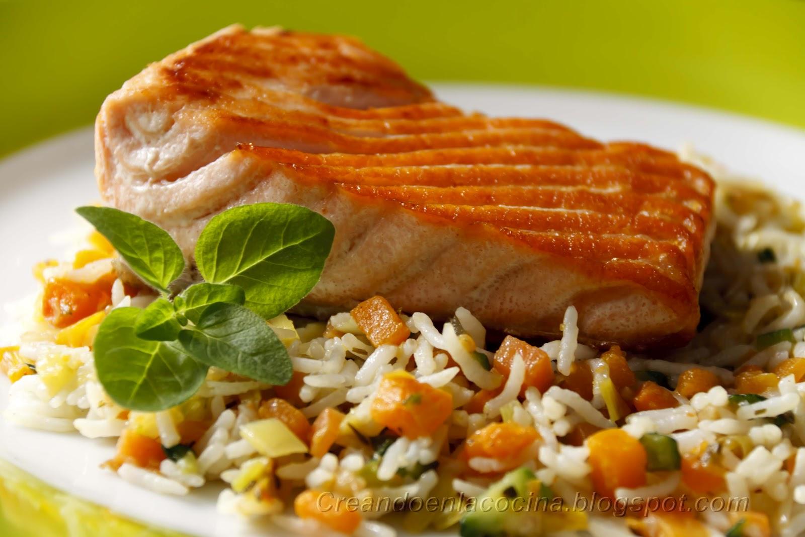 Creando en la cocina salm n a la plancha y arroz pilaf - Arroz con pescado y verduras ...