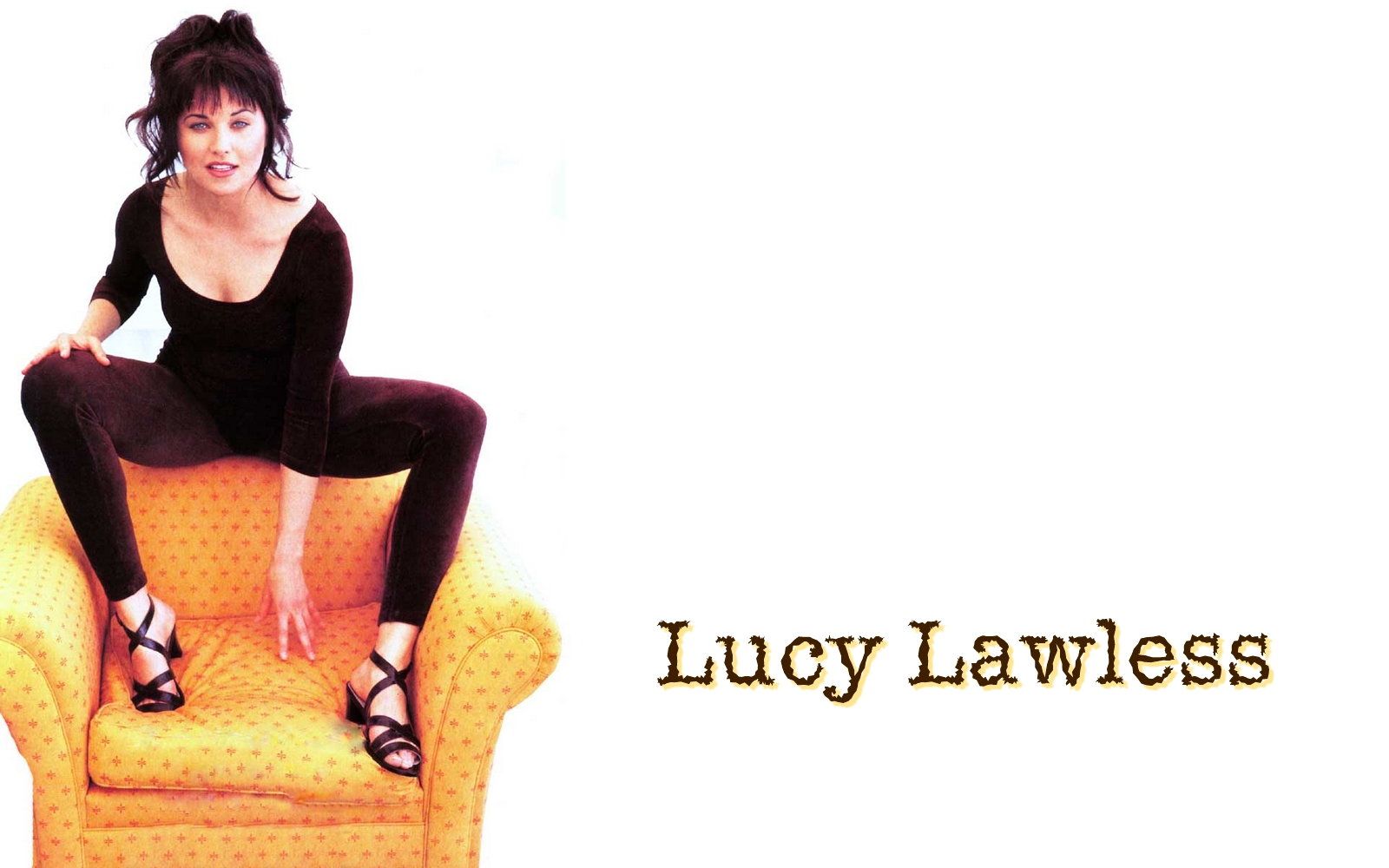 http://1.bp.blogspot.com/-baLxjQvNwug/UFtOUwGMjDI/AAAAAAAGCkU/xBiLipFrJNQ/s1600/Lucy%2BLawless%2BWallpaper%2B10.jpg