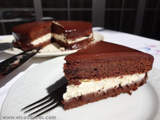 Tarta de chocolate y nata el alimento del diablo