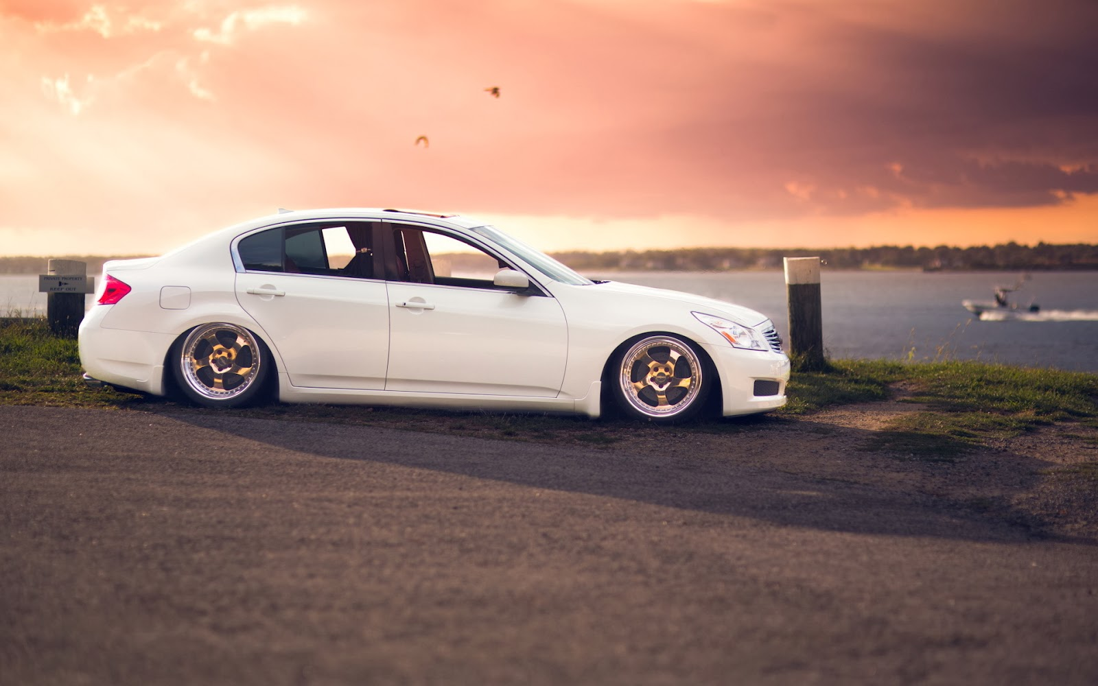 HIGH DEFINITION CAR WALLPAPERS 2014