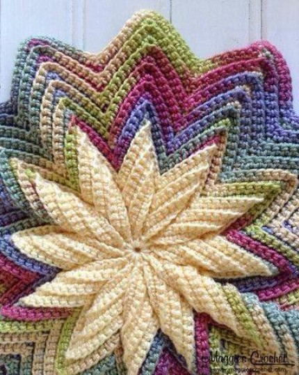 Pinwheel Pillow - Free Pattern