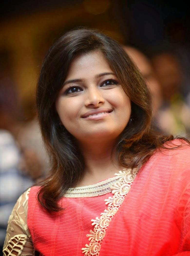Hot Pictures Gallery: JAHNAVI - Telugu Tv Anchor