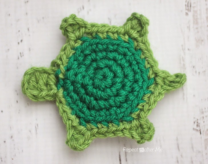 Repeat Crafter Me: T is for Turtle: Crochet Turtle Applique