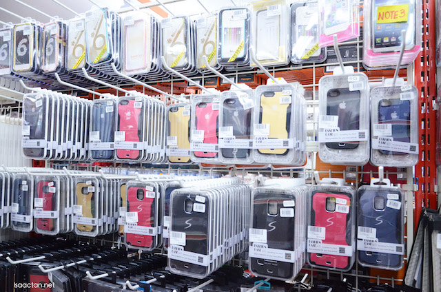 Plenty of choices in terms of phone casing
