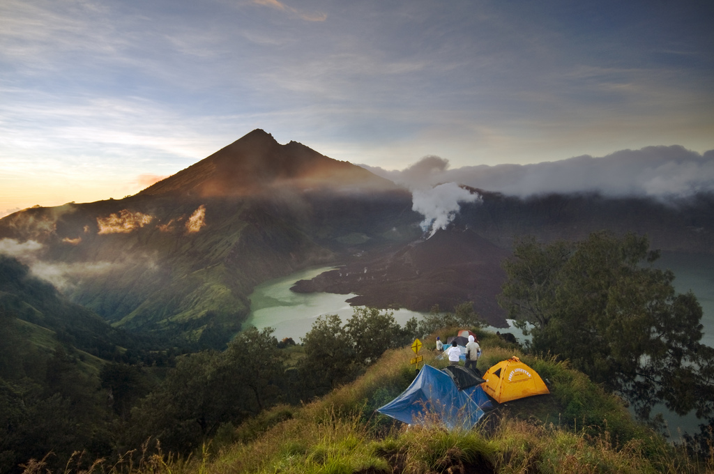 Rinjani Mountain National Park and Segara Anak Lake Lombok Island Wallpapers, Indonesia, Hiking, Camping, Natural Hot Water, Lombok Island, Rinjani Mountain National Park and Segara Anak Lake Lombok Island
