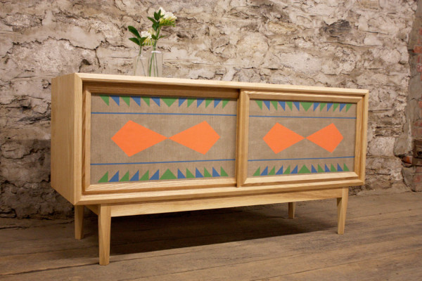 New york times decorar tu casa es - Muebles de madera pintados a mano ...