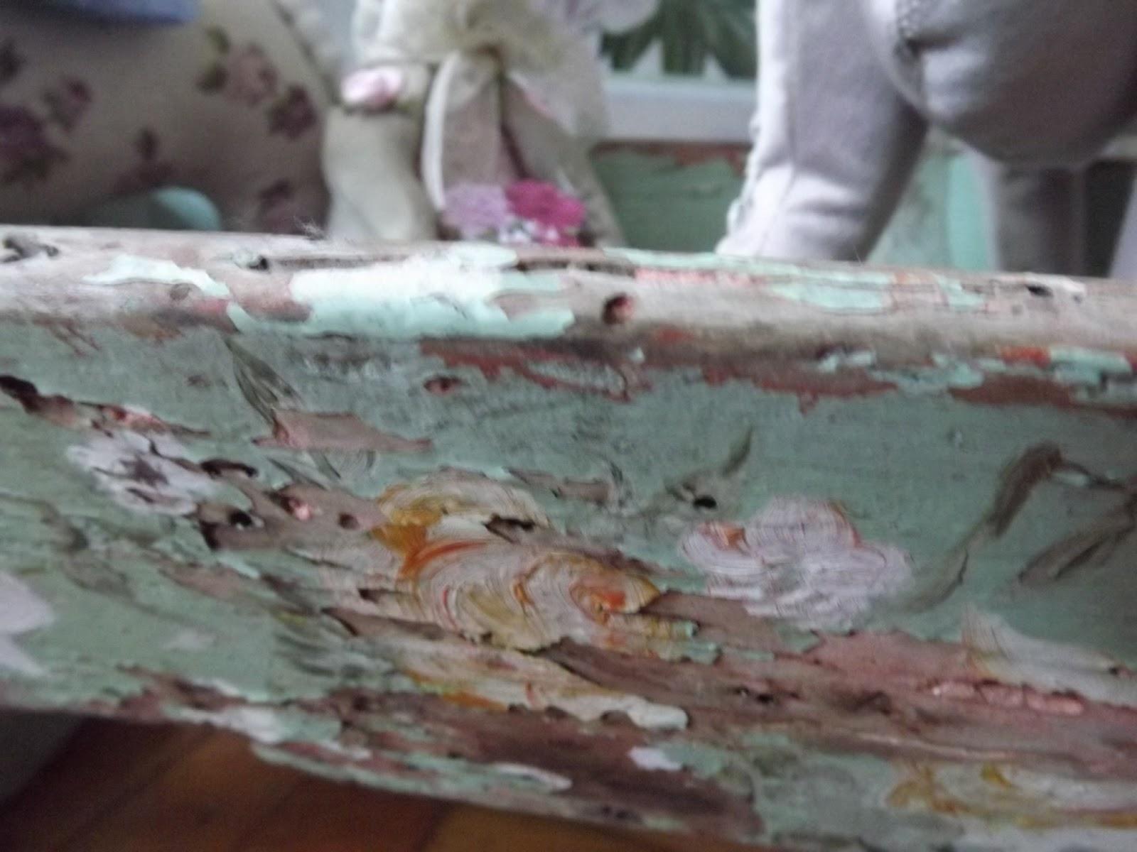 chissà chi ha dipinto le rose che ancora sbocciano delicate...