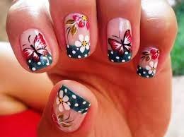 Unhas com Flores e Borboletas