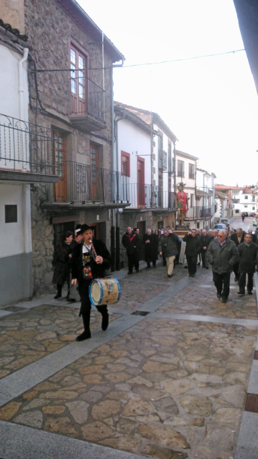 Procesion  en la localidad de Puerto de Béjar San Sebastian