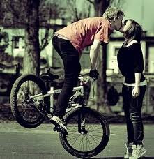 Me haces soñar con cada beso ^^