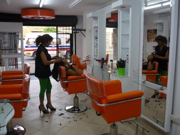 Ropa elite ltima moda belleza spa salon for Spa y salon de belleza