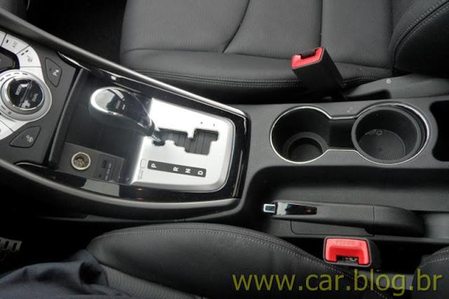 Hyundai Elantra 2012 GLS 1.8L Automático - interior - porta-copos
