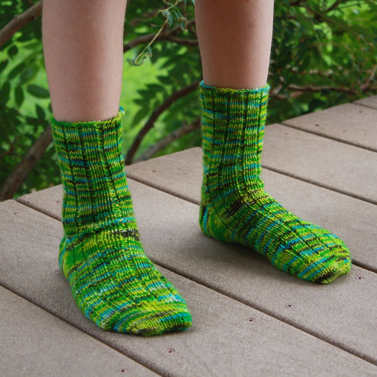 Kids Socks Knitting Pattern : Luna Grey Fiber Arts: The Best Kids Sock Pattern Evah!!