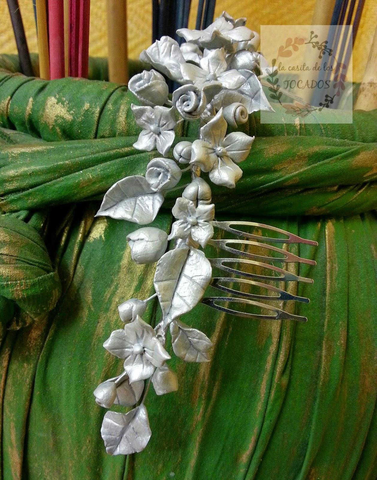 tocado para novia romántica y vintage realizada en porcelana fría y pintada en color plata