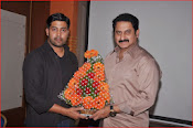 aa iddaru movie press meet-thumbnail-11