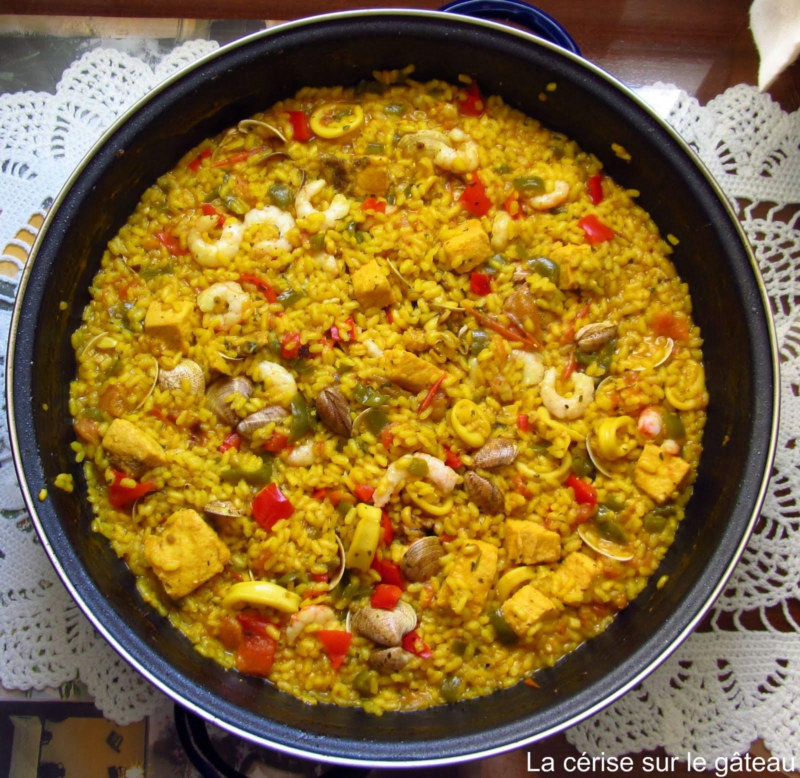 yellow yellow pan forward paella 1