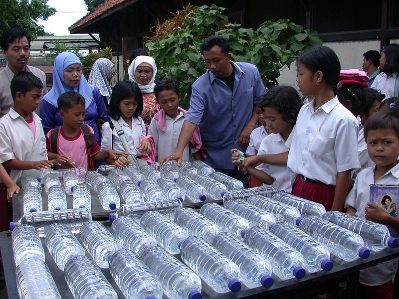 تطهير الماء بالطاقة الشمسية في إندونيسيا