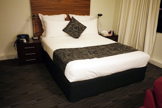 Cambridge Hotel Surry Hills Deluxe City Room View Review