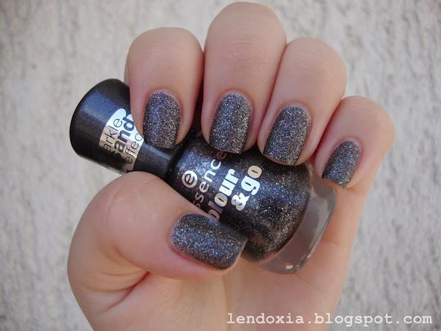 essence sand sparkle effect crni