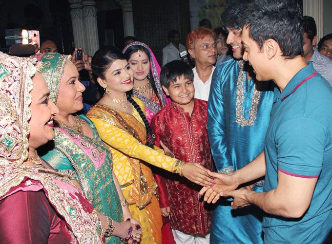 Diya Aur Baati Hum Watch All Episodes Online  Desi
