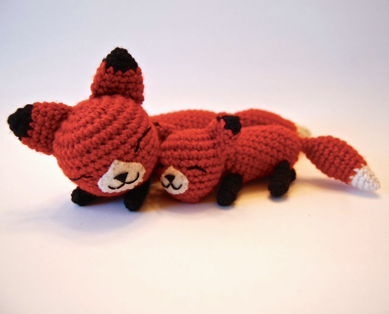 Amigurumi Strawberry Girl Free Pattern : CRAFTYisCOOL: Free Mother and Baby Fox Pattern