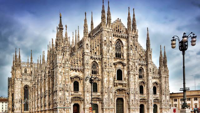 Viajar de trem de Barcelona a Milão