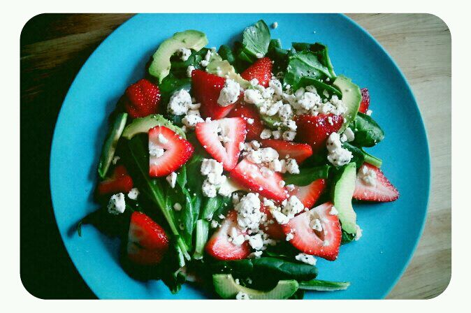 The Crafty World of LotusBomb: Strawberry Avocado Spinach Salad