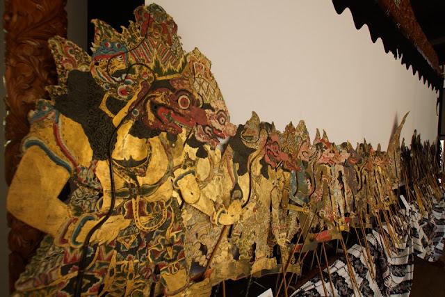 يضم المتحف تشكيلة متنوعة من عرائس الجلد الواي يانغ